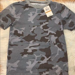 Lucky brand camouflage t-shirt 8